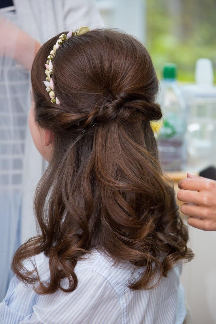 close of of bride's half up hair