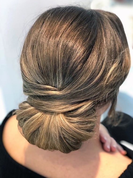 bridal chignon by wedding hairstylist Alice